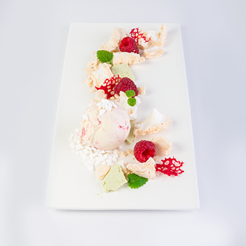 Harmony of Taste<br><small>Meringue and raspberries</small>